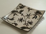 Square ceramic plate with floral motif 26cm [AZ00750]