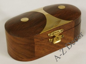 Wooden oval box 10x5x4cm [AZ01572]