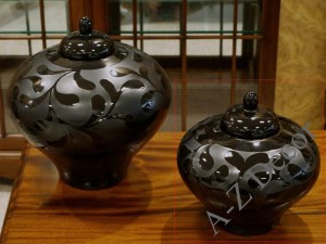 Black decorated ceramic vase 20cm [AZ00754]