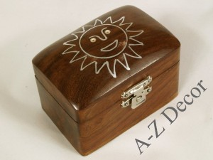 Wooden box with metal Sun image [AZ01557]