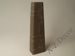 Brown ceramic vase with decoration [AZ00561]