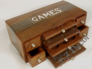 Wooden multi game box [AZ01559]