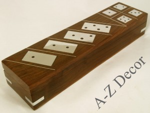 Wooden box with domino and dice [AZ01565]