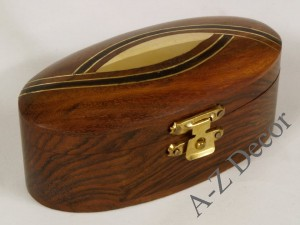 Wooden oval box 10x5x4cm [AZ01574]