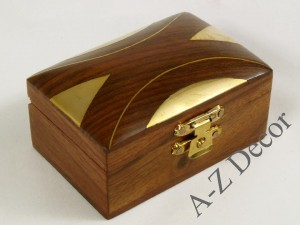 Decorative inlaid wooden box [AZ01576]